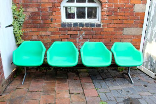 SET-OF-ROBIN-DAY-HILLE-POLY-GREEN-RETRO-AIRPORT-CHAIRS-WAITING-ROOM-SEATING