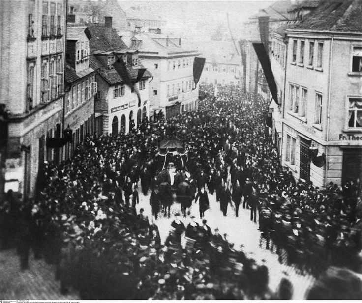 Les Obsèques de Richard Wagner à Bayreuth   http://www.photo.rmn.fr/CorexDoc/RMN/Media/TR1/HY8VWB/13-526589.jpg