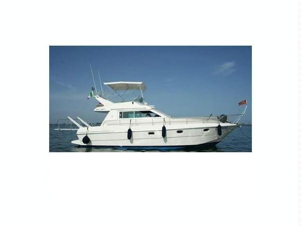 #Adriatico, buone #condizioni #generali  bandiera #italiana  2x 310 Volvo Penta - #V/Drive 1300 #ore  generatore MASE, #interni in #legno, #Bimini top, #passerella #idraulica, ... #annunci #nautica #barche #ilnavigatore
