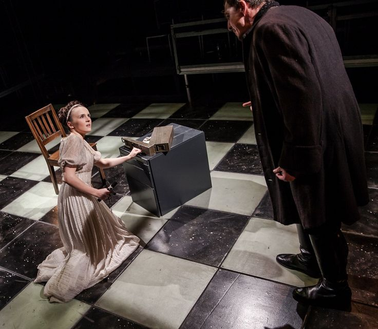 Schiller's Mary Stuart in a new version by Peter Oswald | The LIR Academy. Image by Keith Dixon
