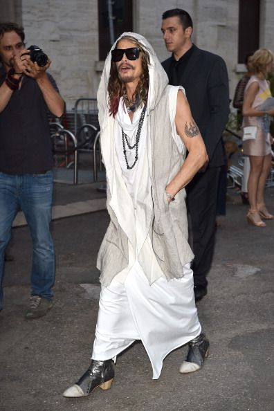 Steven Tyler's rocker chic: 20-year-old girlfriend and a kaftan .. http://www.emirates247.com/entertainment/steven-tyler-s-rocker-chic-20-year-old-girlfriend-2014-06-24-1.554110