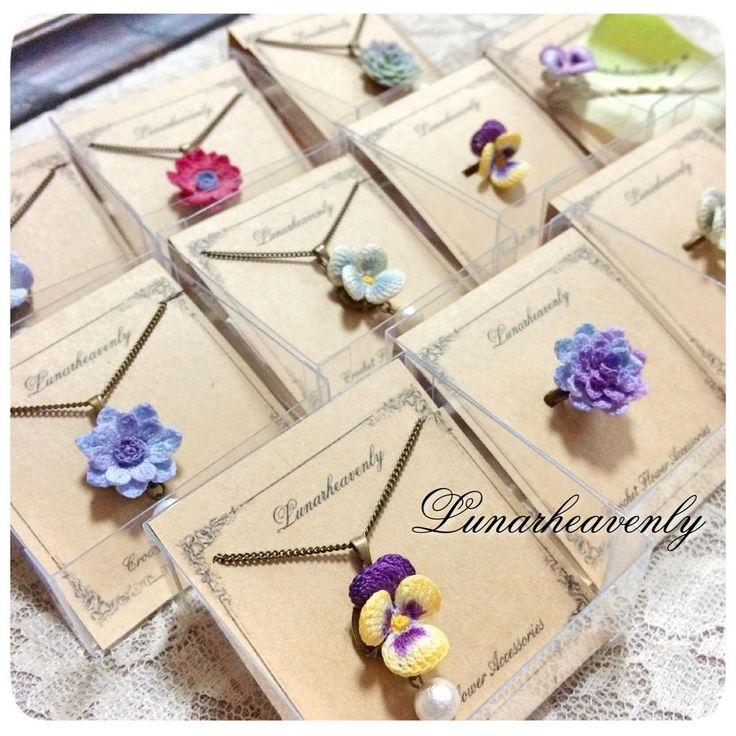 お花ひとつぶのシンプルなネックレス、指輪、ヘアピンなど。様々なお色で作っております。お気に入りが見つかりますように…♡ 1/24からの吉祥寺PARCOラヴィさん期間限定ショップにお持ちします。 #レース編み #crochet