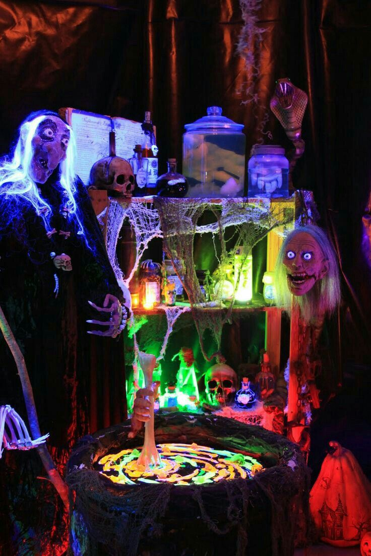 Halloween Haunted House Decor.