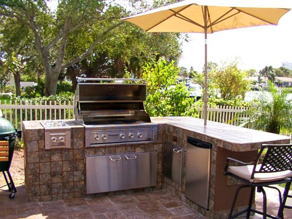 17 best ideas about outdoor grill area on pinterest for Easy outdoor kitchen designs