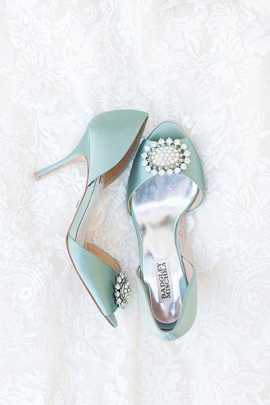 blue wedding shoes @weddingchicks