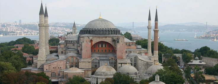 Hagia Sophia is one of the most important museums in Istanbul.