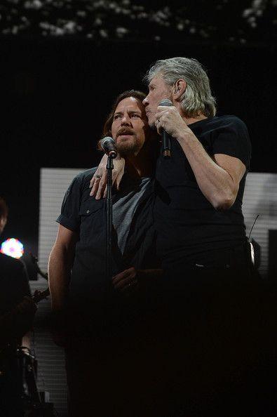 Roger Waters and Eddie Vedder @ 12-12-12 Concert #concerts #concertvideos #Concert #PinkFloyd #Pink_Floyd