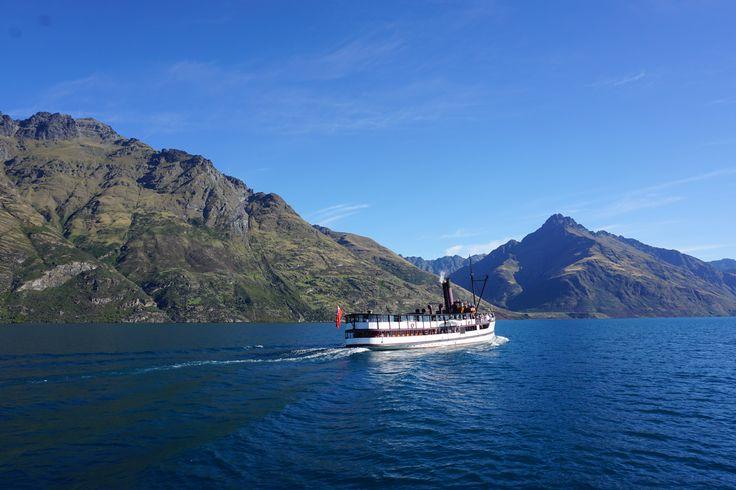 Sunny days on Lake Wakatipu