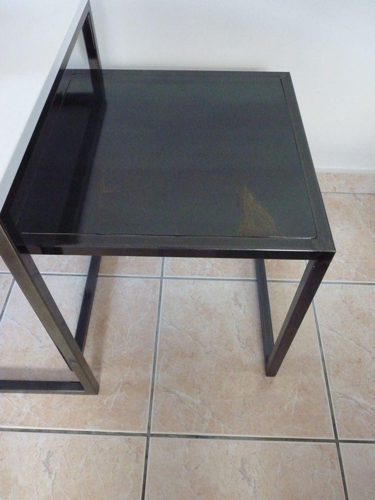 petite table gigogne piétement et plateau acier vernit brillant http://ldecor56.fr/
