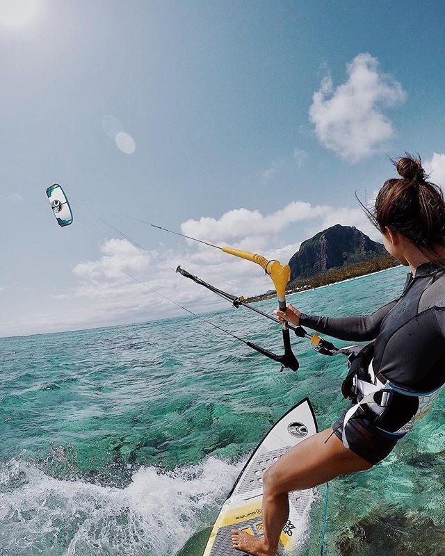 Rider @moonawhyte cruising along in Mauritius #girlswhorip