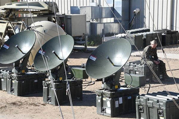 Marine Corps searches for new satellite communications system MHL