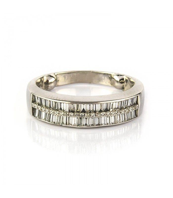 Media alianza de oro blanco con diamantes baguette 0,80ct. En subasta online - Subastas Regent's | Joyas y Antigüedades