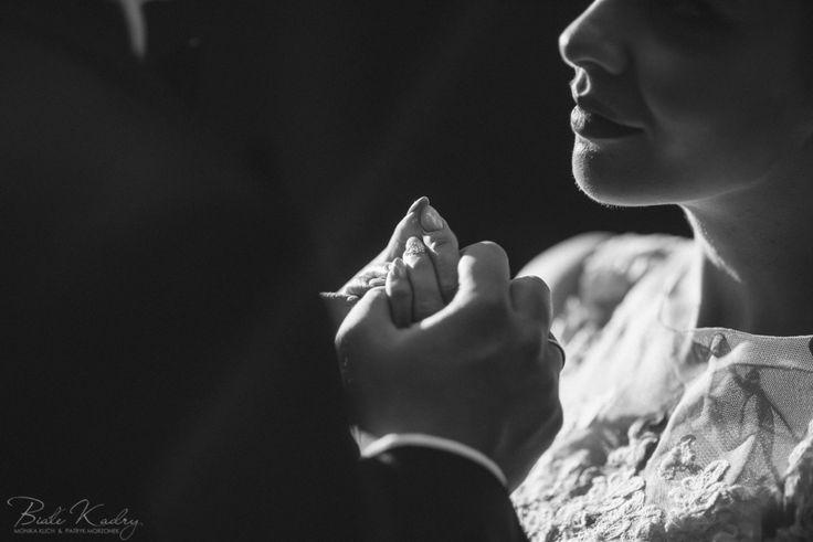 Ślubna sesja plenerowa Kraków Białe Kadry  www.BialeKadry.pl    #zdjecia #slubne #plener #sesja #plenerowa #para #młoda #paramłoda #pannamłoda #panmłody #pan #pani #panna #młoda #młody #małopolska #kraków #kreatywny #najlepszy #ranking #najlepsi #polecani #fotograf #fotografowie #zakopane #nowysacz #leśna #las #światło #zakochani #małżeństwo #poślubna #gdzie #na #plener