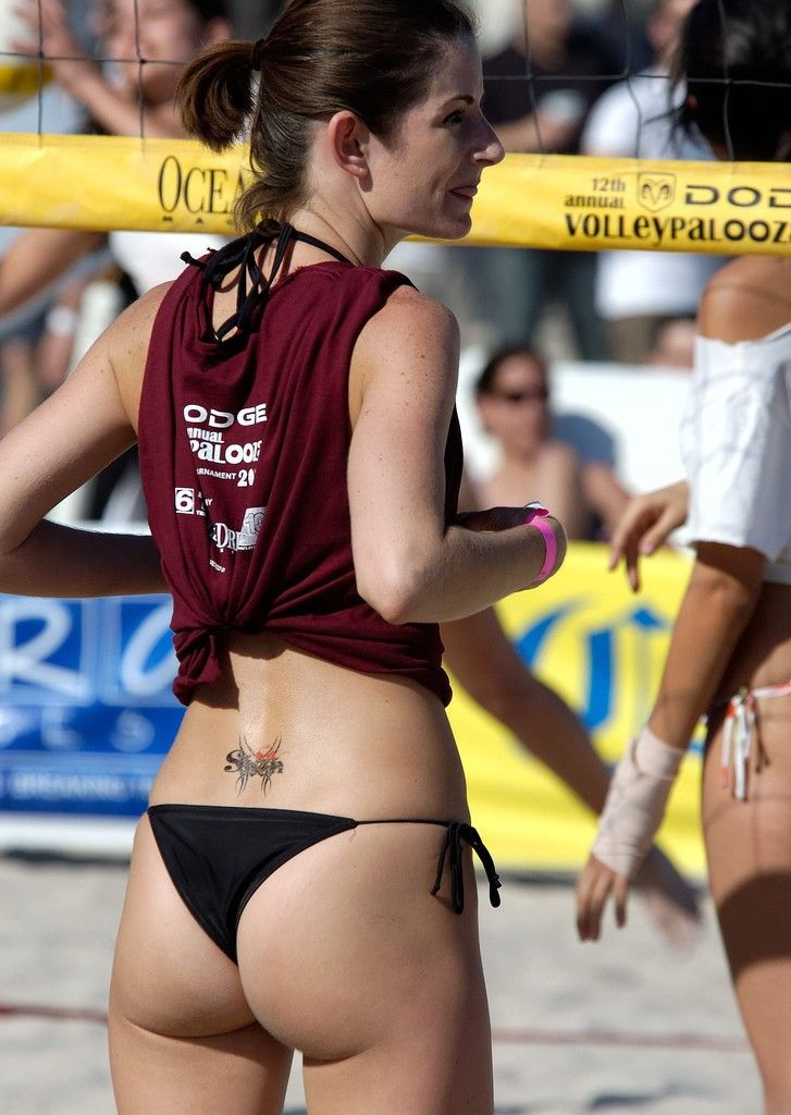 Pin By Ty On Beachv Volleyball Outfits Female Athletes Cheeky Girls