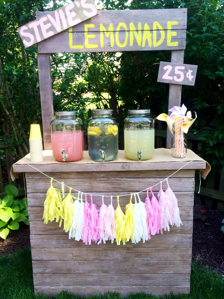 Pink Lemonade Stand First Birthday Party {Celebrating Stevie Grace} by Pumpkin + Rose on the blog at www.pumpkinandrose.com