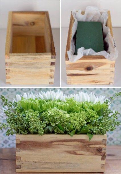wooden crate/box. caja de madera. wedding. boda. decoration. decoración. flowers . flores