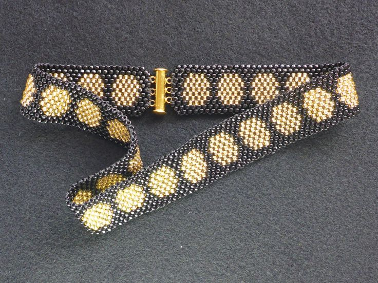 Liz Arnold  Peyote stitched Japanese glass seed bead choker-style necklace with gold