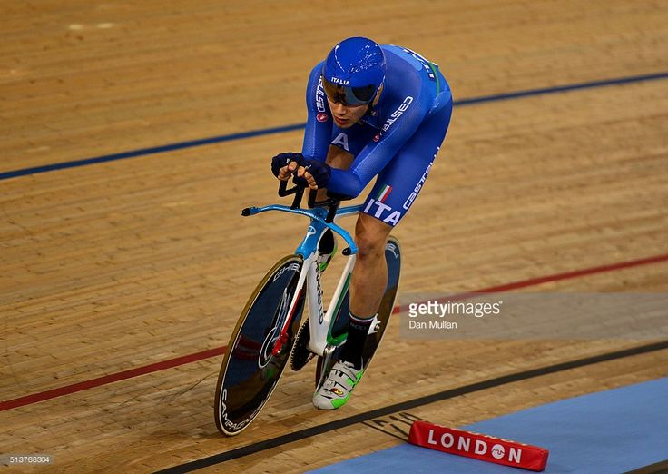 Filippo Ganna of Italy in action on his way to winning The Men's Individual Persuit Final during Day Three of the UCI Track Cycling World Championships at Lee Valley Velopark Velodrome on March 4, 2016 in London, England. #TWC2016 #rm_112