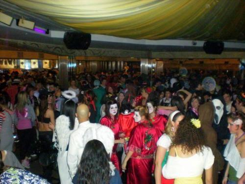 Emilia #Romagna: Il #mitico Carnevale al Vivi-Le Grotte: la super-festa del martedì grasso (link: http://ift.tt/2kgr1kH )