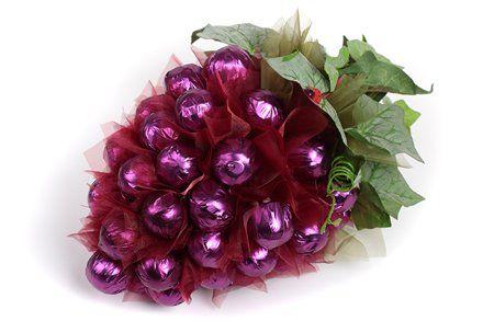 ¿Cómo hacer un ramo de dulces. Ramos de bombones con sus manos. tecnología de fabricación de ramos de flores dulces. artesanías de caramelo con sus manos