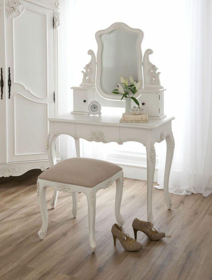 idée déco pour chambre à coucher : coiffeuse baroque