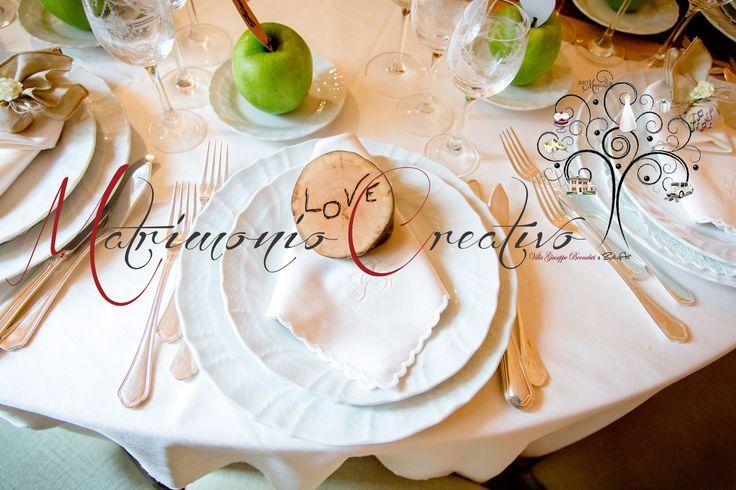 La tavola apparecchiata per un matrimonio etnico..che colori! ph. LMAStudio #matrimoniocreativo #Etnicwedding #matrimonioetnico