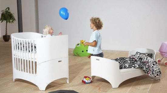 Super modular & functional LEANDER baby and junior bed