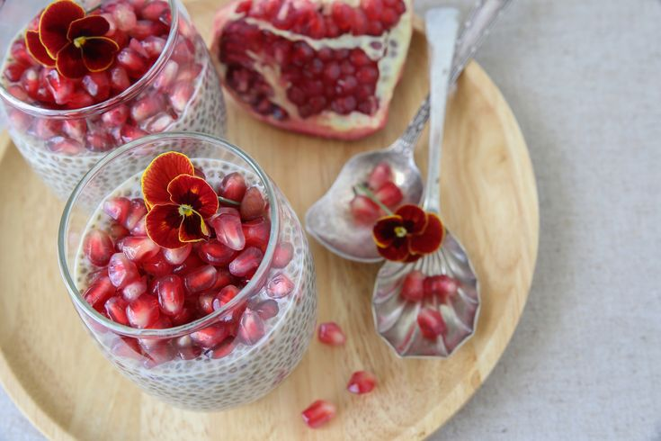 vanilkovo-škoricový chia puding s granátovým jablkom recept