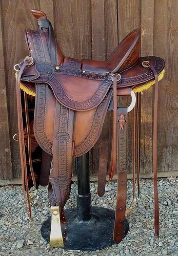 Bob Breecher, Ladies Astride saddle... love it :)