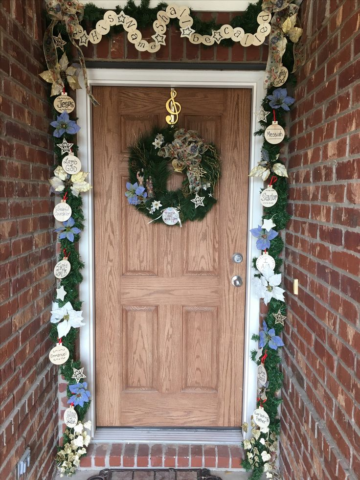 93 best images about Christmas - outdoors, entryways and stairs on ...