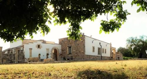 Antica Masseria Scagnito Corigliano d?Otranto Situated in Corigliano d?Otranto, 24 km from Lecce, Antica Masseria Scagnito features air-conditioned rooms and free private parking. Guests can enjoy the on-site restaurant. The rooms come with a private bathroom.