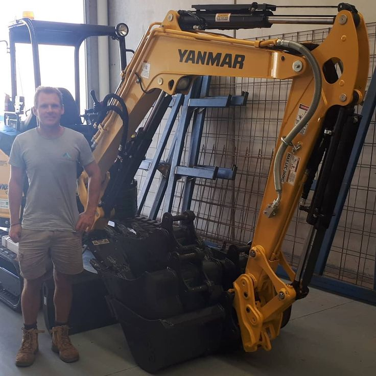 Every Garage should have one! A shining new Yanmar VIO35-6B brings a smile to the face of Peter from Cretek. Thanks for your highly valued business Peter. #tuttbryantequipment #Yanmar #VIO35 #excavator  #digger  #earthmoving #constructionequipment #construction #building #concretor #constructionequipment