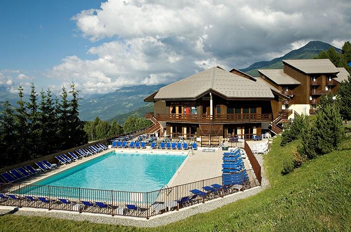 Hôtel club MMV Les Sittelles à La Plagne Montalbert http://bougerenfamille.com/vacances-dans-les-alpes-en-famille/