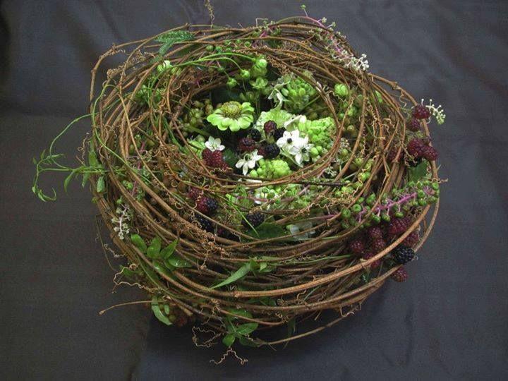 Lovely bird's nest arrangement • by Japan's Takumi Nakaya