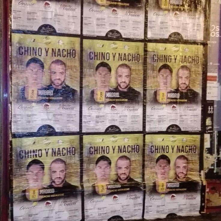 Chino y Nacho...se sienten por el barrio Salamanca en Madrid.. Se van a agotar lo garantizamos