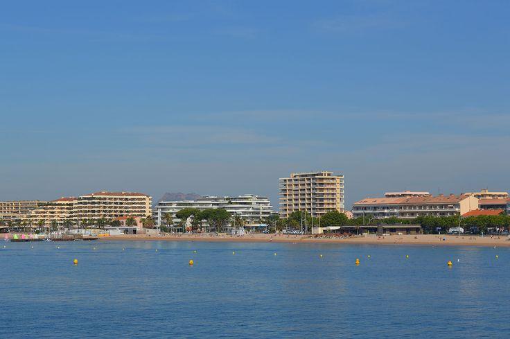 Les plages de Fréjus sont superbes : sauvages ou aménagées, familiales ou sportives, baignées de soleil, petit vent léger, embruns…