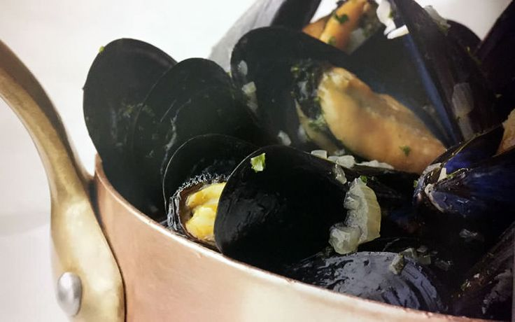 Mussels Mariniere - Chef's Recipe - Experience Travel E-zine