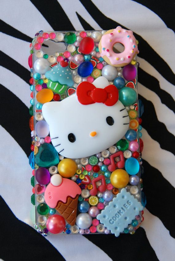 love this hello kitty cell phone cover <3
