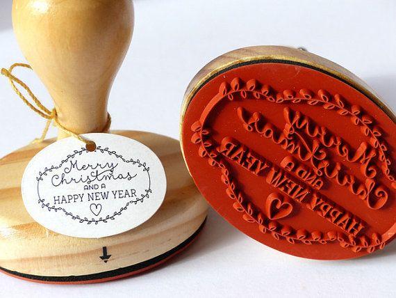 1 óvalo de madera sello con motivo Feliz Navidad y un feliz año nuevo El precio es por 1 sello Tamaño/peso CA 7x5cm