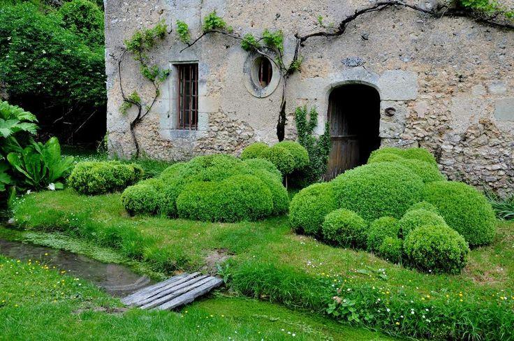 le prieur de vauboin l o un jardinier fait s 39 mouvoir les buis jardin champ tre jardin. Black Bedroom Furniture Sets. Home Design Ideas