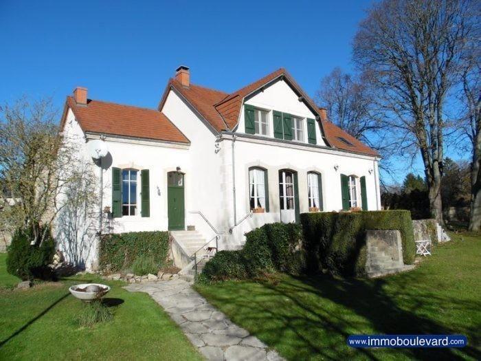 """Schitterend gelegen """"Maison de Caractère"""" met garage en ommuurde tuin (1380m²)€190000"""