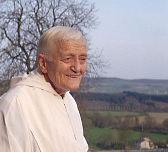 FRÈRE ROGER, fondateur de la communauté de Taizé. / BROTHER ROGER, his civil status name ROGER SCHUTZ,  born 12 May 1915 in Provence (Vaud, Switzerland) and murdered August 16, 2005 in Taizé (Saône-et-Loire, France) is the founder of the community Taizé.