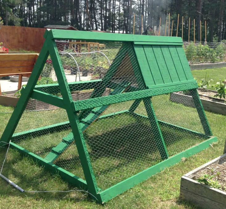 1000 Ideas About Chicken Tractors On Pinterest Portable Chicken Coop Mobile Chicken Coop And