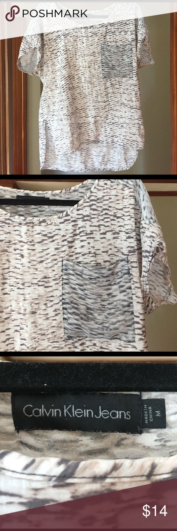Calvin Klein Jeans Top. Loose fitting top, looks great with skinny jeans or leggings. Make an offer! Calvin Klein Jeans Tops Blouses