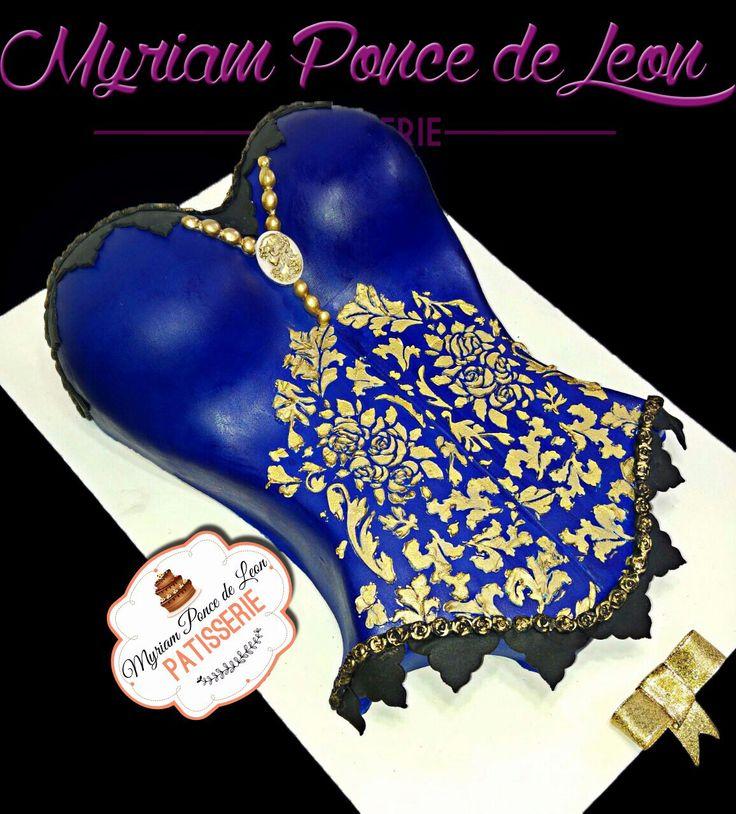 Body cake azul con bordado en dorado