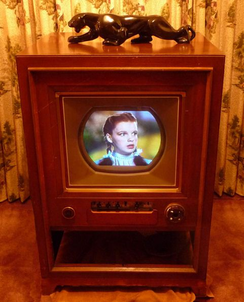 RCA Color TV (1954)Rca Colors, Tv 1954, First Time, Childhood Memories, Black Panthers, Wizards Of Oz, Colors Tv, Baby Boomer, Black Cat