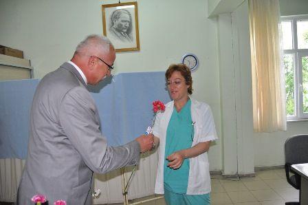 Seydişehir Belediye Başkanı Abdulkadir Çat, 12-18 Mayıs'ta kutlanan Hemşireler Haftası ve 14 Mayıs Eczacılık Günü dolayısıyla Seydişehir'de görev yapan tüm hemşirelerle ebelerin ve eczacıların özel, Seydişehir Haber Güncel Haberin Merkezi