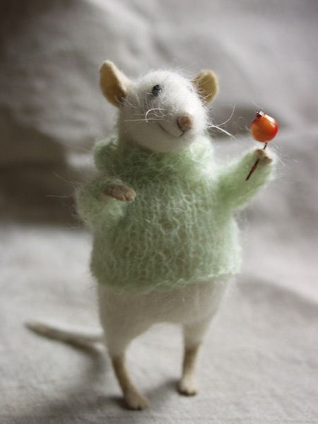 Discovered the very fun craft of needle felting over the holidays.  This one isn't my creation, but it's oh, so sweet.  Didn't need another craft, but I just can't help it.