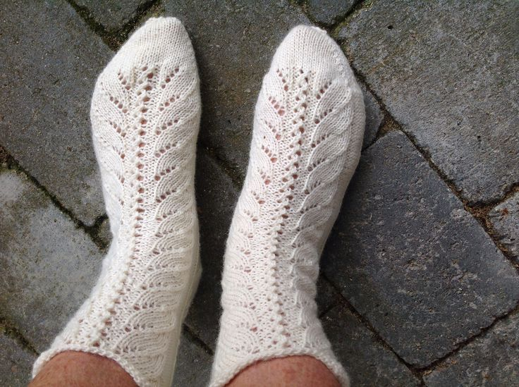 Fine sokker med hulmønster