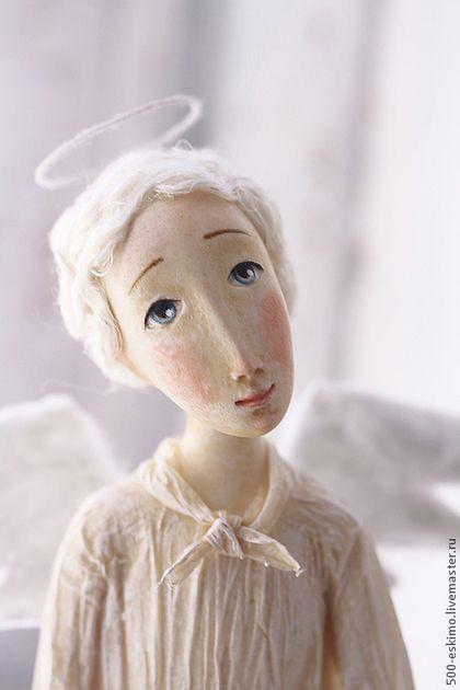 Купить или заказать Ангел с птичкой в интернет-магазине на Ярмарке Мастеров. Такой гость)